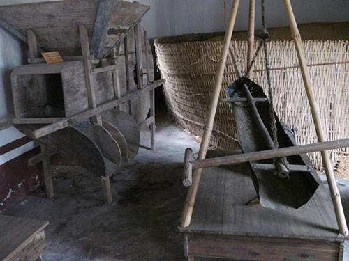 Nơi lưu giữ nhiều nông cụ xa xưa trên dải đất miền Trung - ảnh 18