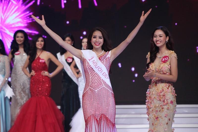 Phạm Thị Hương lên ngôi Hoa hậu Hoàn vũ 2015 - ảnh 3