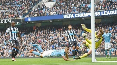 Đại thắng Newcastle, Man xanh tạm chiếm ngôi đầu - ảnh 1