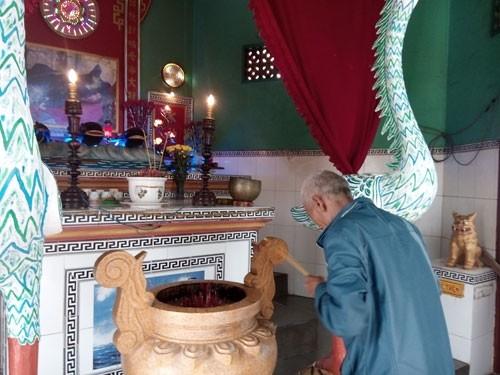 Linh thiêng nghĩa trang cá Ông lớn nhất Việt Nam - ảnh 2
