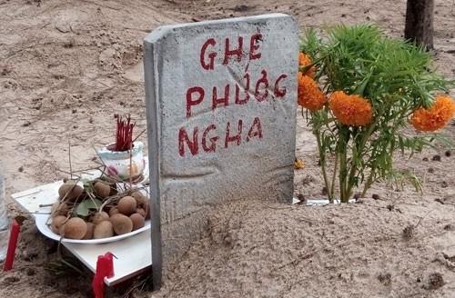 Linh thiêng nghĩa trang cá Ông lớn nhất Việt Nam - ảnh 6