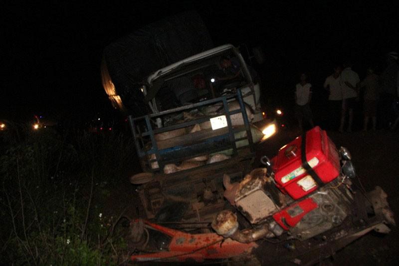 Xe tải mất thắng tông xe máy cày, 5 người trọng thương - ảnh 4