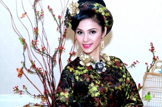 Việt Trinh, Người đẹp Tây Đô, Lý Hùng, diễn viên, danh vọng