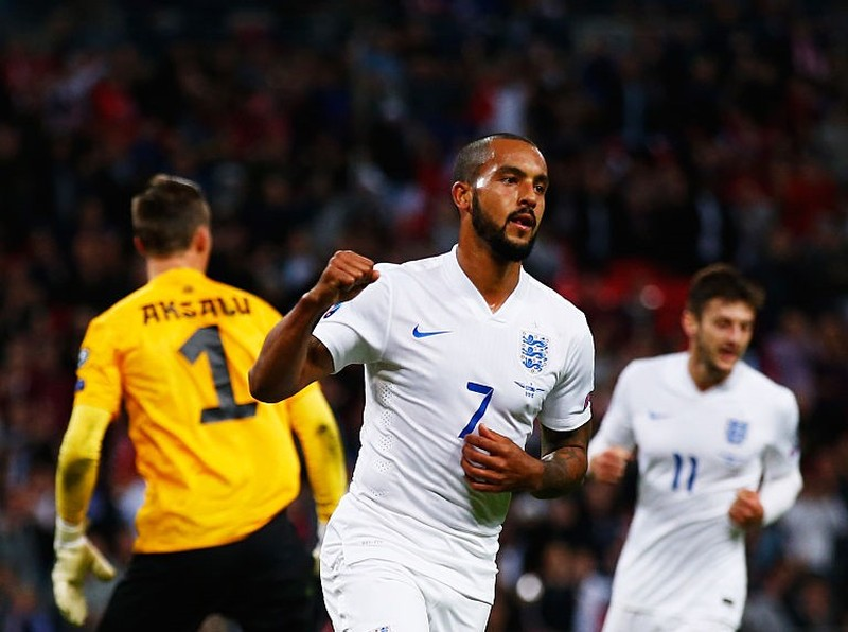 Vòng loại Euro 2016: Anh, Tây Ban Nha hiên ngang đến Pháp - ảnh 3