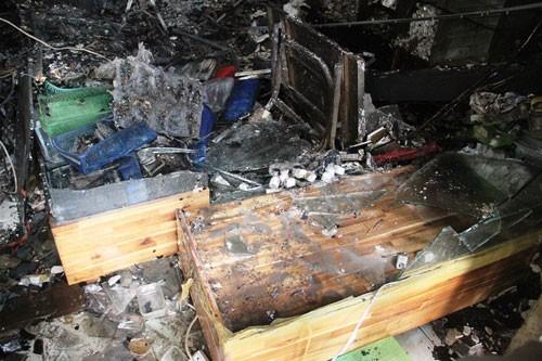 Cháy lớn cửa hàng điện thoại - ảnh 7