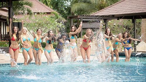 Lệ Quyên tự tin diễn bikini trên đất Thái - ảnh 6