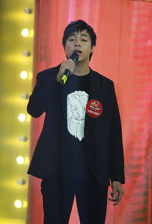 Thí sinh 'Ca sĩ giấu mặt' giống ca sĩ Quang Lê - ảnh 4