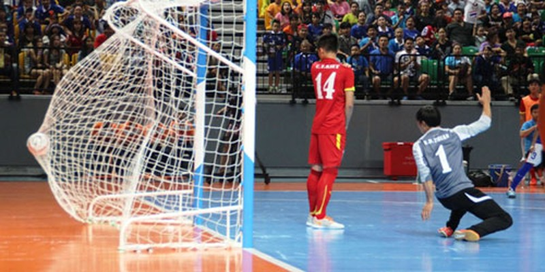 Sốc: Futsal Việt Nam thua Malaysia - ảnh 2