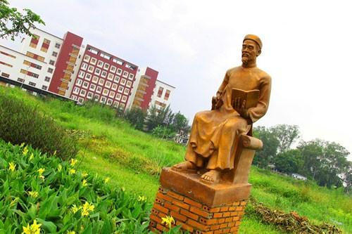 Vườn tượng danh nhân ở làng đại học - ảnh 7