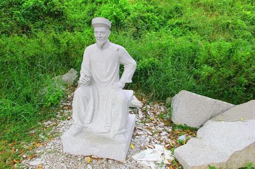 Vườn tượng danh nhân ở làng đại học - ảnh 3