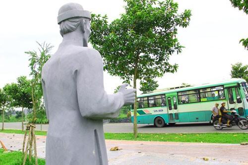 Vườn tượng danh nhân ở làng đại học - ảnh 4