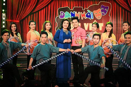 NSND Lệ Thủy bất ngờ xuất hiện ở 'Danh hài đất Việt' - ảnh 4