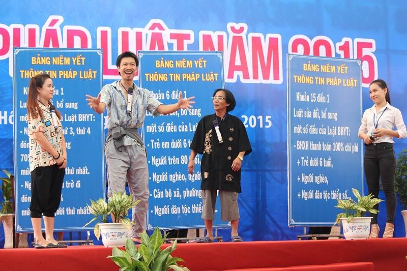 Hơn 5.000 người tham dự Ngày hội pháp luật 2015 - ảnh 7