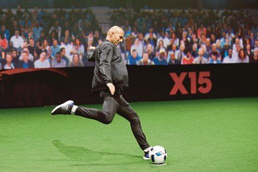Zidane, Evra không đá vì…tang lễ - ảnh 3