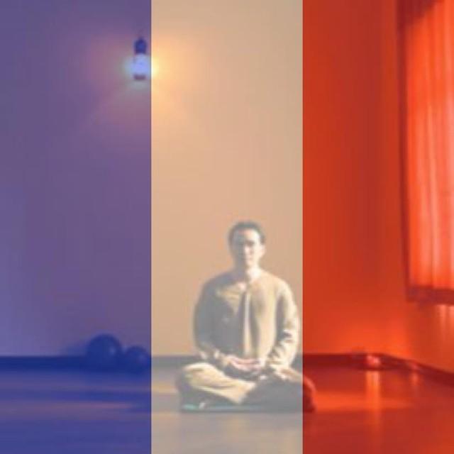 Diễn viên Chi Bảo chọn cách ngồi thiền để gửi năng lượng bình an cho người dân Pháp.