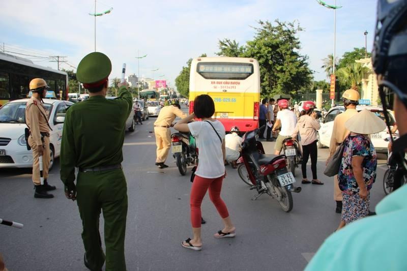 Va chạm với xe buýt, nam thanh niên tử vong tại chỗ - ảnh 2