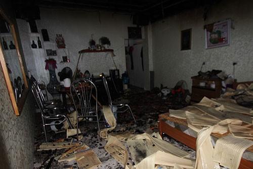 Thanh niên ngáo đá châm lửa đốt nhà suýt hại chết mẹ đẻ - ảnh 1