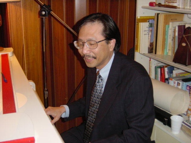 Tuấn Ngọc tiết lộ về cuộc đời tác giả 'Riêng một góc trời'