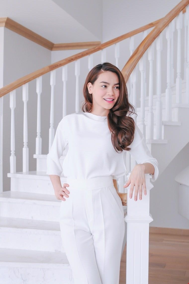 Hồ Ngọc Hà chấm thi người mẫu - ảnh 1