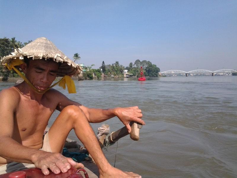 Kỳ lạ trụ đá trên sông Đồng Nai được dân gọi là 'ông Một' - ảnh 4