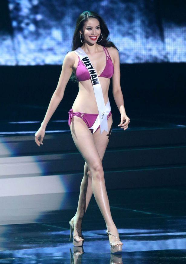 Báo Anh nghi Phạm Hương bị loại để Hoa hậu Philippines thắng