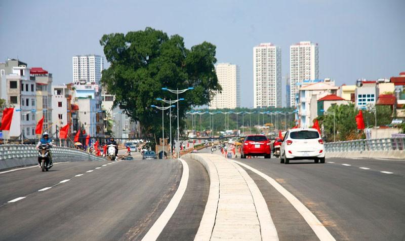 Cận cảnh con đường hơn 6 ngàn tỉ đồng trong ngày đầu thông xe - ảnh 5