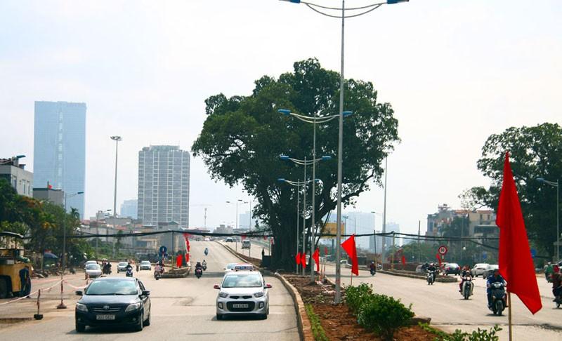 Cận cảnh con đường hơn 6 ngàn tỉ đồng trong ngày đầu thông xe - ảnh 9