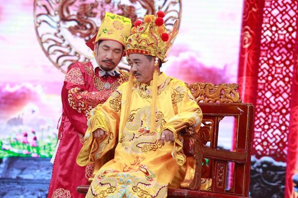 co-du-cong-ly-duoc-phep-chuyen-gioi-trong-tao-quan-2016-1