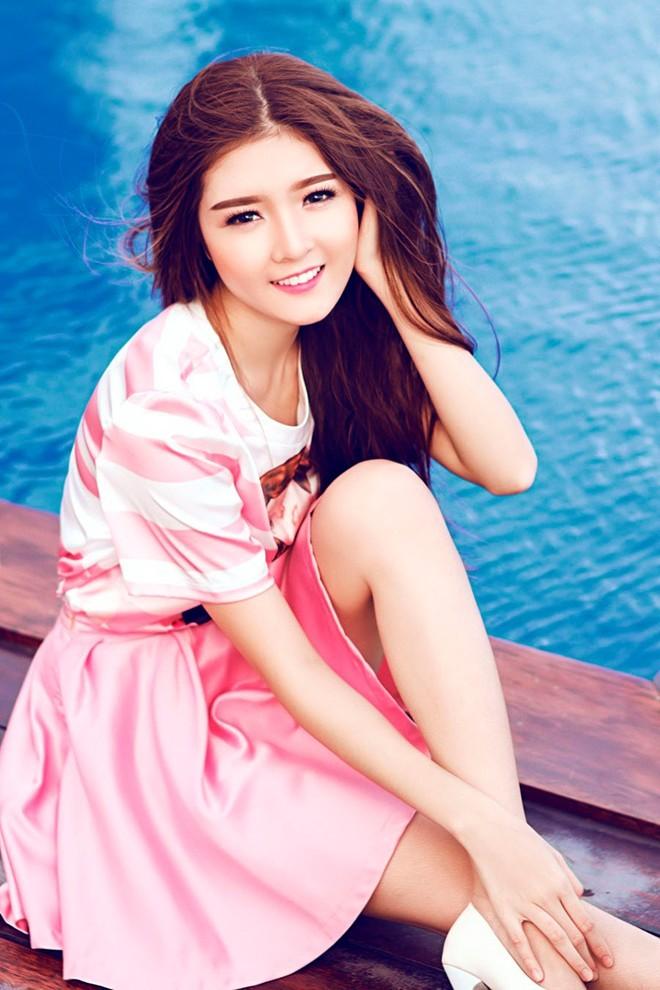 Búp bê Lily Luta lãng mạn và ngọt ngào với gam màu pastel