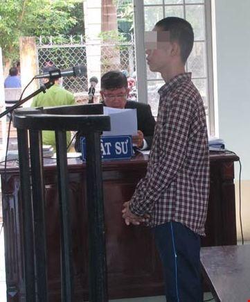 Ngày 2-3, xử phúc thẩm vụ 'Học sinh tạt acid trưởng công an xã' - ảnh 1