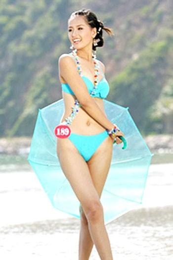 Mai Phương Thúy diện bikinitại cuộc thi Hoa hậu Việt Nam 2006...