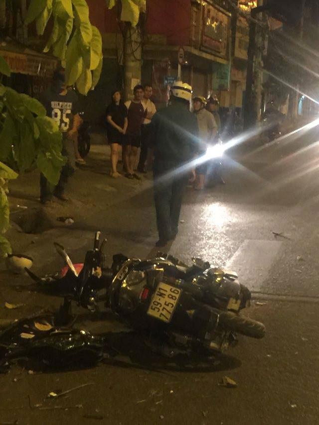 Xe tải mất lái lao vào nhà dân, 3 người bị thương - ảnh 2