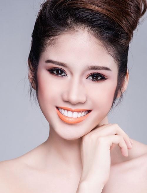 Vẻ đẹp trong sáng của á hậu Đồng Thanh Vy