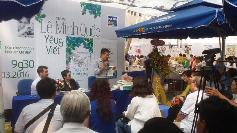 Nhà thơ Lê Minh Quốc và hai đứa con tinh thần - ảnh 2
