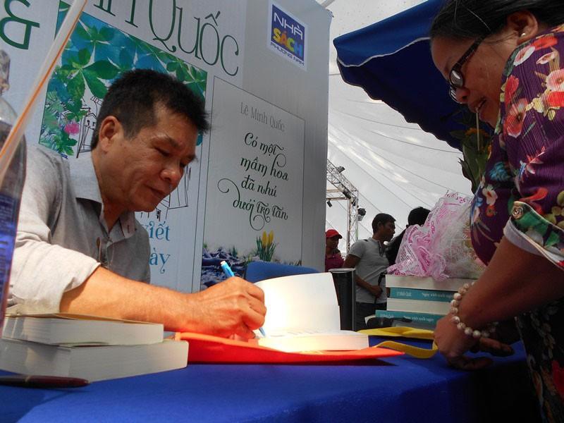 Nhà thơ Lê Minh Quốc và hai đứa con tinh thần - ảnh 1