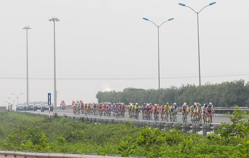 Tay đua Nguyễn Thành Tâm khẳng định ngôi vị số 1 - ảnh 3