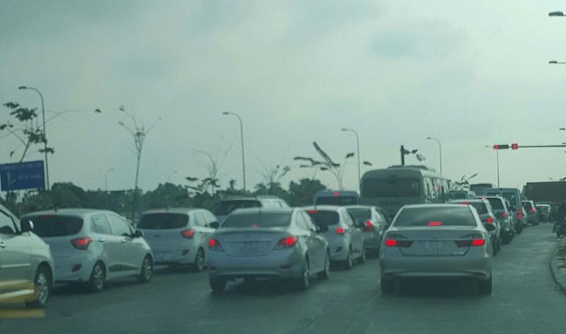 Xe dày đặc trên cao tốc Long Thành-Dầu Giây  - ảnh 1