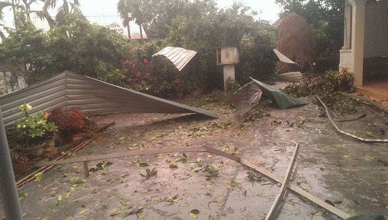 Lốc xoáy kinh hoàng làm 320 nhà dân tốc mái - ảnh 5