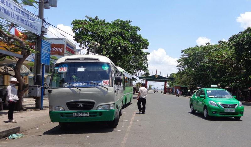 Bí thư Đinh La Thăng vẫy tay mời gọi người dân Cần Giờ đi xe buýt - ảnh 6