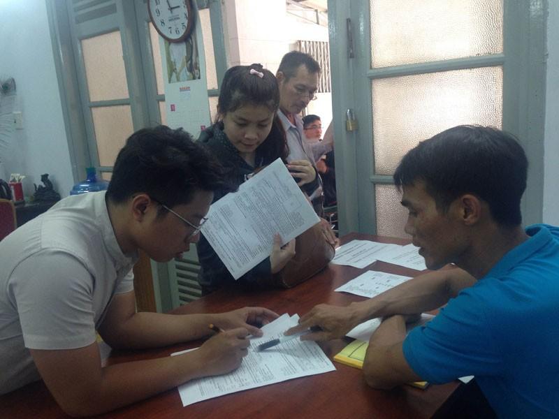 Thí sinh cuống cuồng điều chỉnh hồ sơ đăng ký thi THPT - ảnh 1