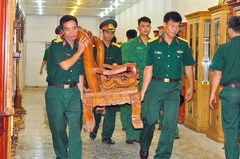 Hàng trăm cán bộ, chiến sĩ phong tỏa ngôi nhà sập ở Đồng Nai - ảnh 3