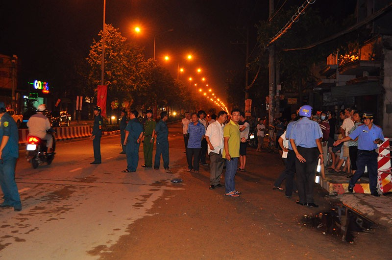 Hàng trăm cán bộ, chiến sĩ phong tỏa ngôi nhà sập ở Đồng Nai - ảnh 2
