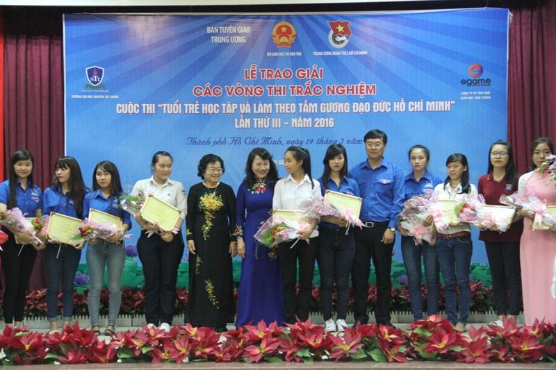 2 thí sinh đạt giải nhất 'Tuổi trẻ học tập và làm theo tấm gương đạo đức Hồ Chí Minh' - ảnh 1