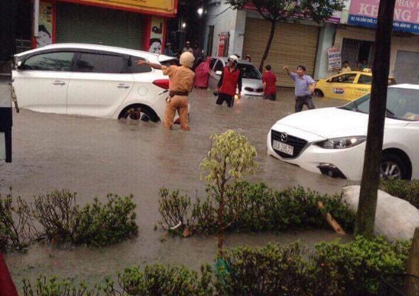 Tình người trong cơn mưa - ảnh 5