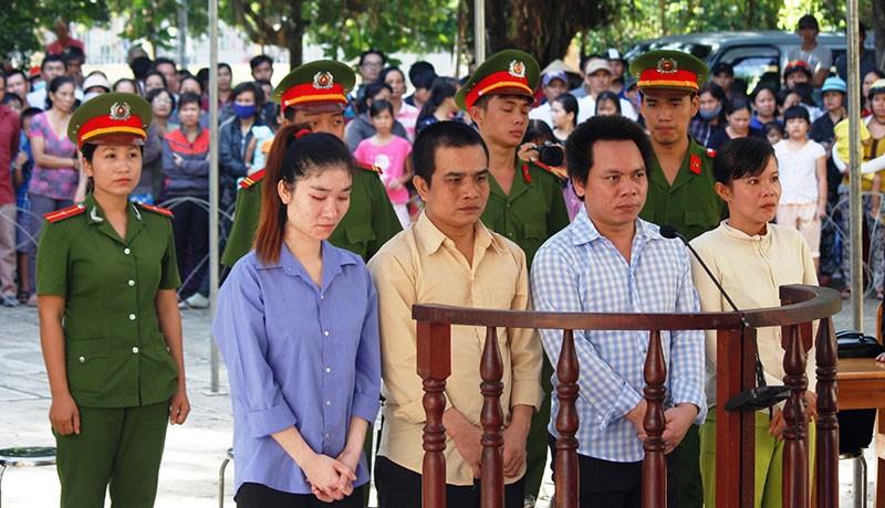Bán người sang Trung Quốc, 4 bị cáo lĩnh án - ảnh 1