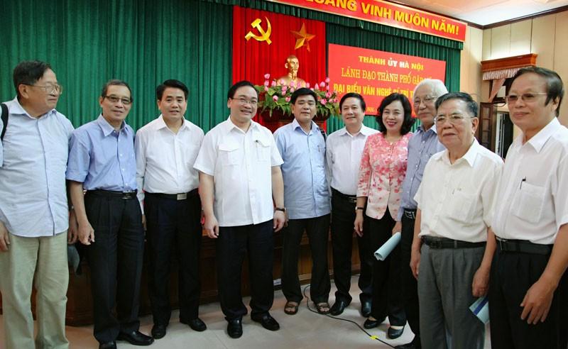 Bí thư Hà Nội: Mong giới trí thức hiến kế xây dựng Thủ đô - ảnh 3