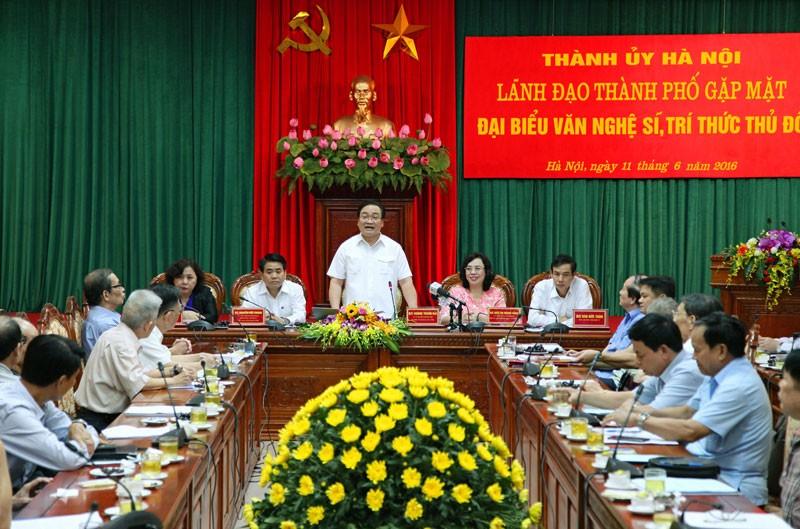 Bí thư Hà Nội: Mong giới trí thức hiến kế xây dựng Thủ đô - ảnh 1