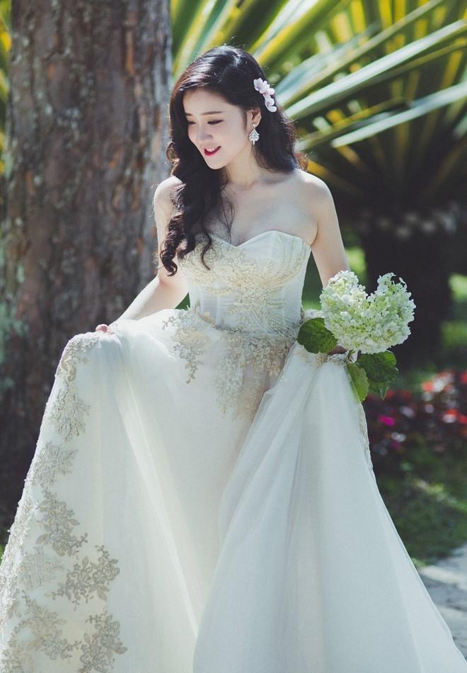 Miss Teen Xuan Mai ket hon voi ban trai dai gia vao thang 6 hinh anh 7