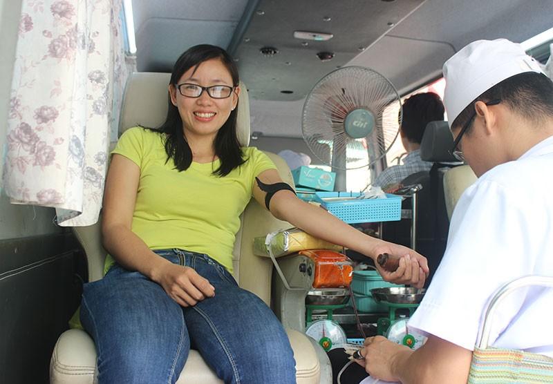 Báo Pháp Luật TP.HCM tham gia hiến máu nhân đạo - ảnh 8