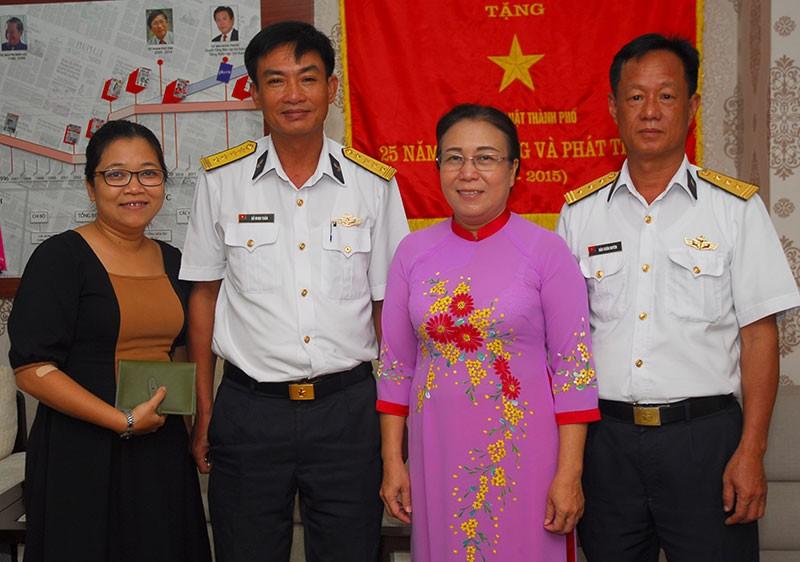 Nguyên Phó Chủ tịch nước Trương Mỹ Hoa chúc mừng báo Pháp Luật TP.HCM - ảnh 7